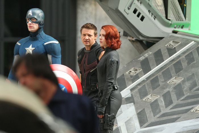 On the Set of The Avengers. Part 2 (24 pics)