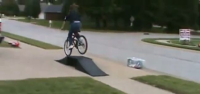 Girls On Bikes Fail Compilation (video)