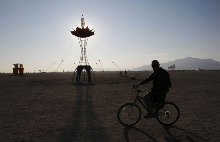 Burning Man Festival 2011 in the Black Rock Desert (62 pics)