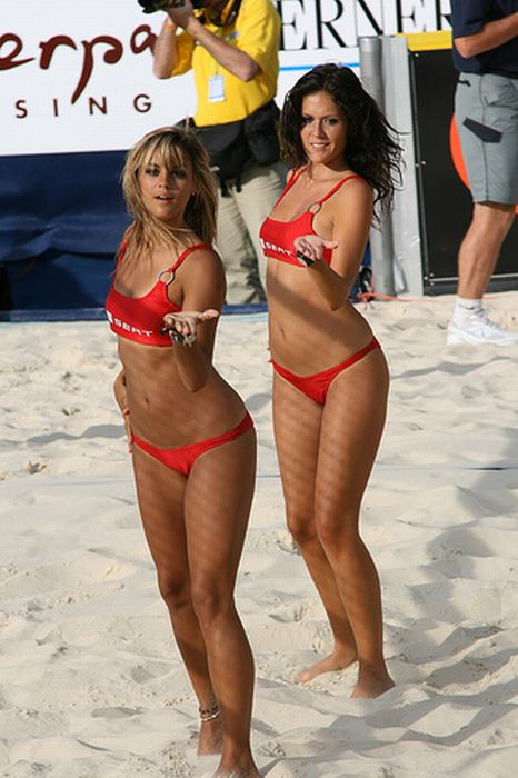 Cute SEAT Beach Volleyball Girls (13 pics)