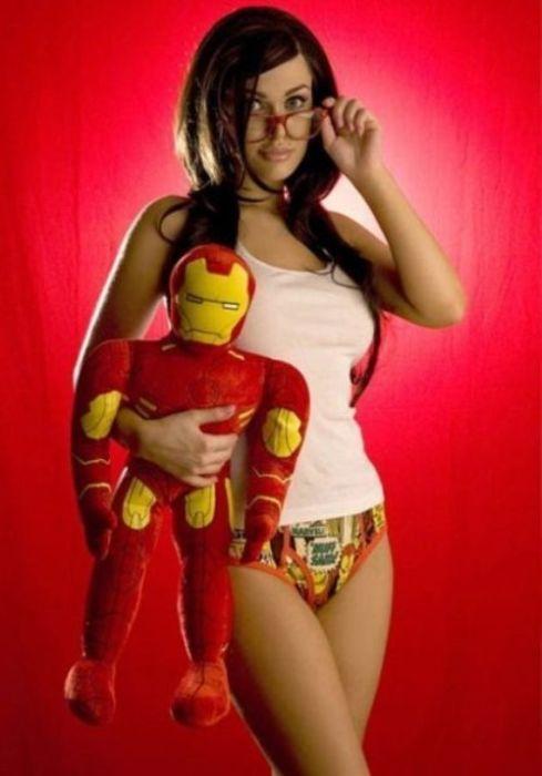 Girls Wearing Sexy Superhero Undies (26 pics)