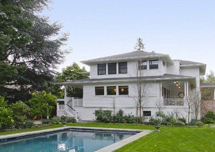 Mark Zuckerberg Buys New $7 Million House In Palo Alto (16 pics)