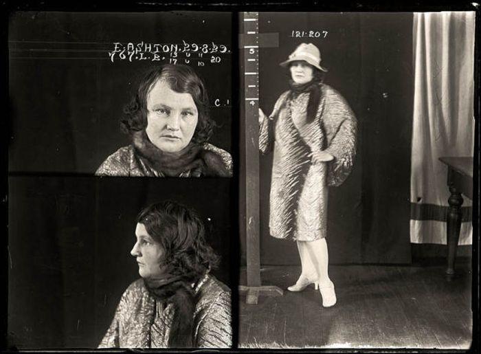 Historical Mug Shots of Women (34 pics)