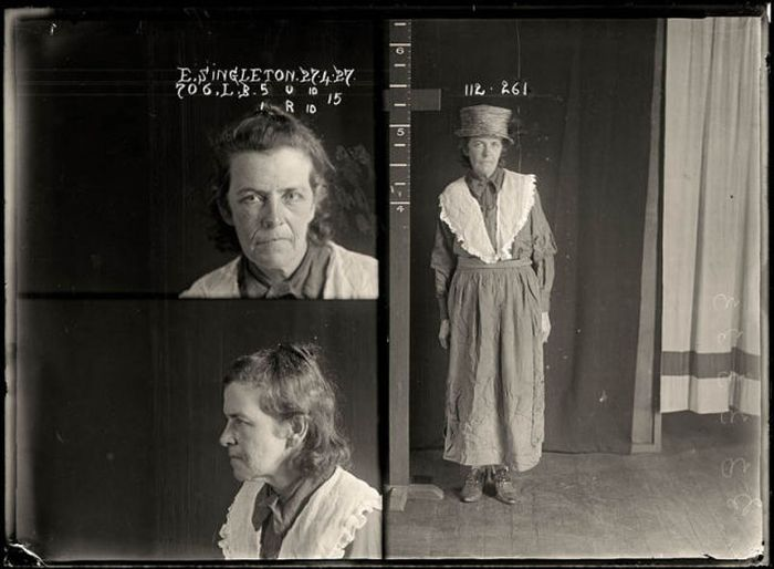 Historical Mug Shots of Women (34 pics)