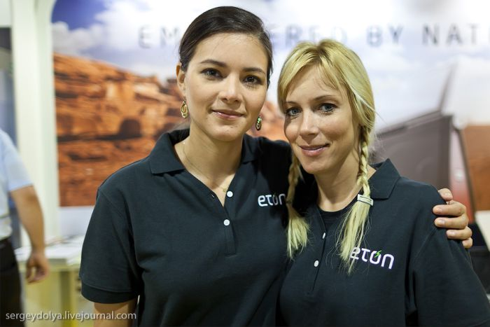 Cute Girls at IFA Show (30 pics)