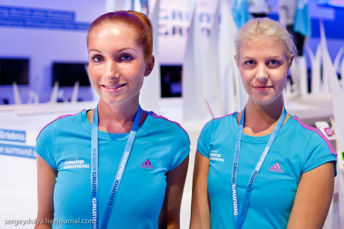 Cute Girls at IFA Show (30 pics)