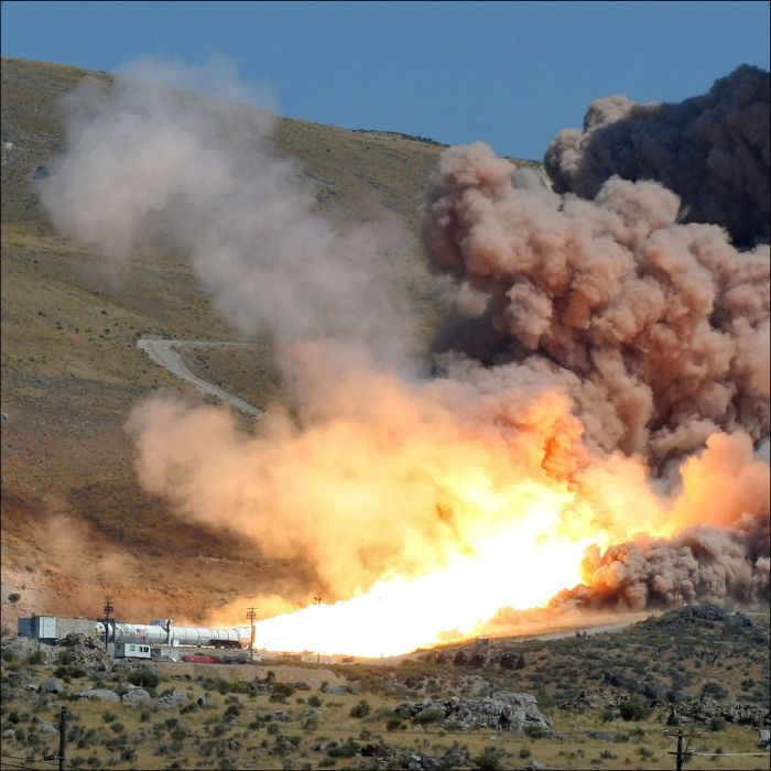The Most Powerful NASA Rocket Engine Test (4 pics + video)