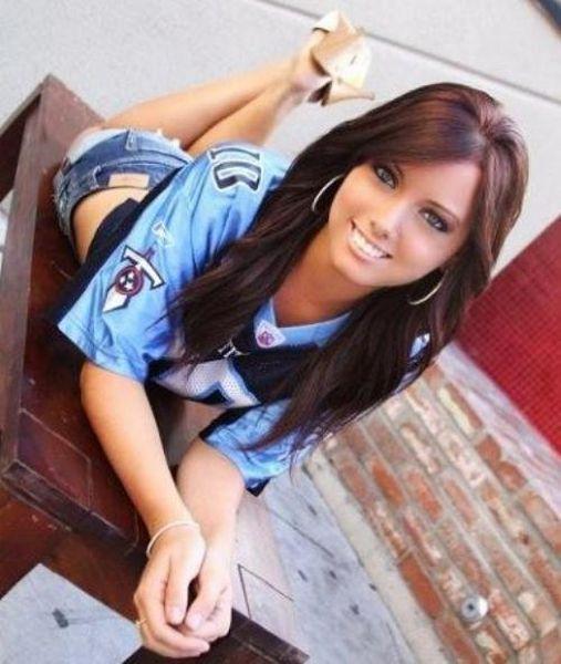 Hot Girls Wearing Football Jerseys (27 pics)