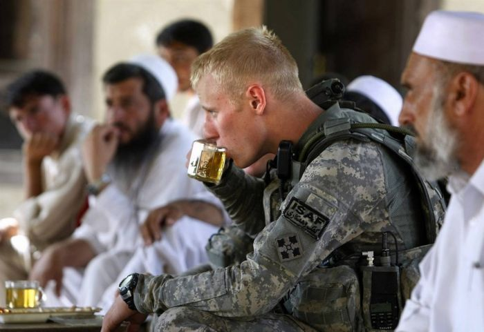 Military Men All Over The World (108 pics)
