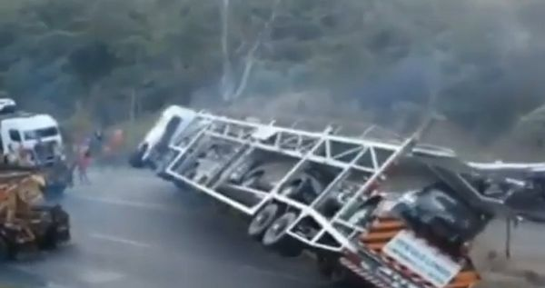 Truck Fail Compilation (video)