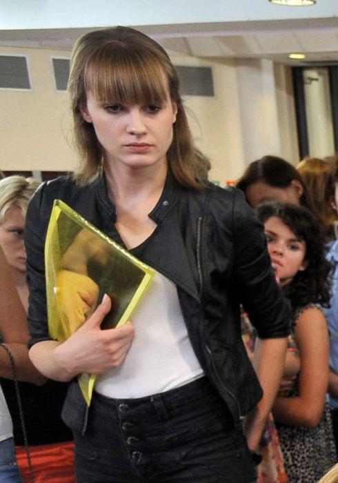 Top Model From Poland Has a Secret (16 pics)