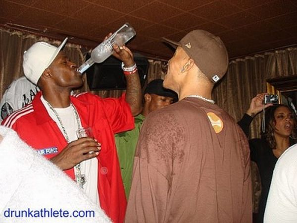 Professional Athletes Drunk Party (67 pics)