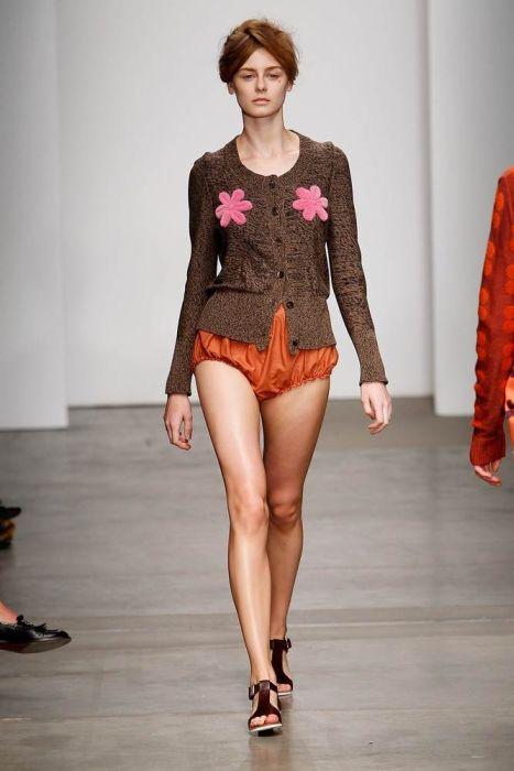 Weird New York Fashion Week Style (23 pics)