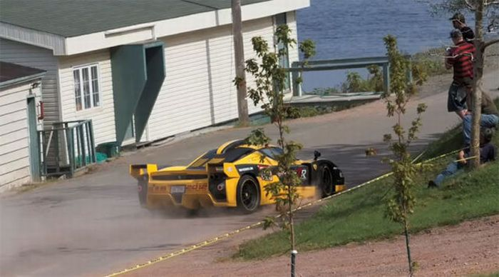 $1.5 Million Ferrari Enzo Crash (16 pics + video)