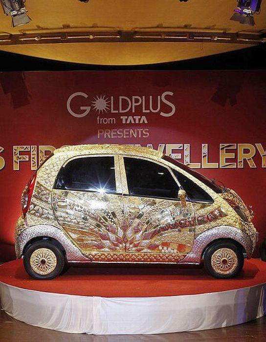 Fully Functional 22 Karat Gold Plated Tata Nano (7 pics)