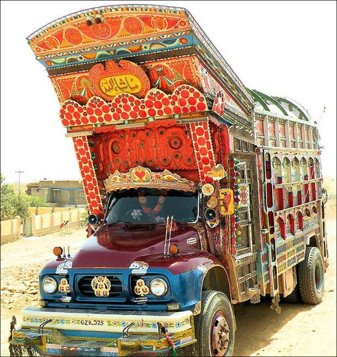 Weird Truck Art in Pakistan (23 pics)
