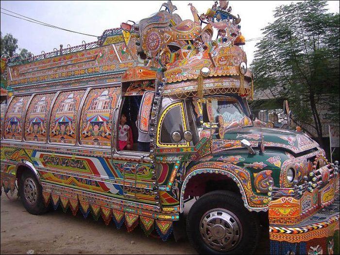 Weird Truck Art in Pakistan (23 pics)