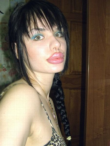 Weird Transformation of a Russian Girl (13 pics)