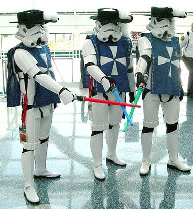 Amazing and Weird Stormtrooper Cosplay (20 pics)