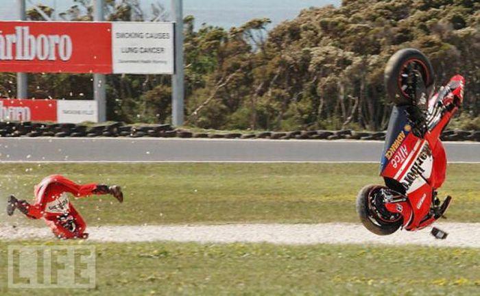 Motorbike Falls. Part 2 (31 pics)