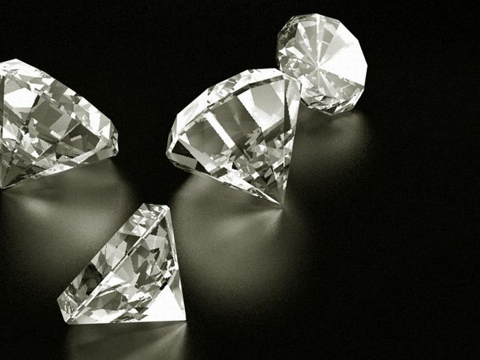 The Case of the Missing Diamonds (9 pics)
