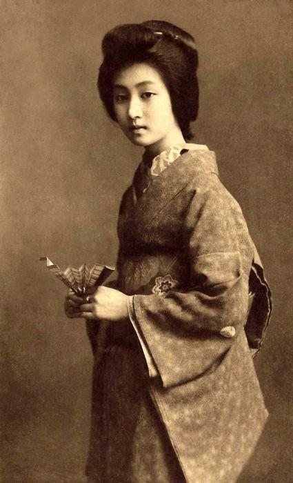 Vintage Photos of Japanese Geisha (18 pics)