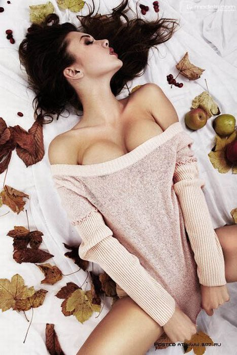 Hot Girls Wearing Sweaters (97 pics)