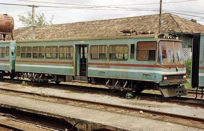 Public Transportation in Cuba (11 pics)