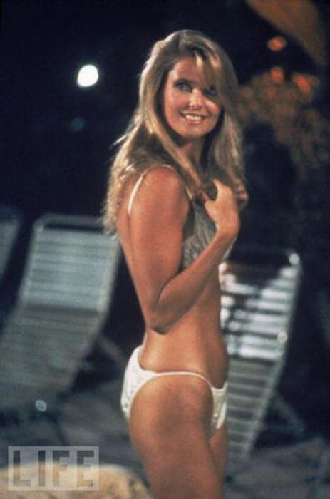 The Hottest 80S Girls Then And Now 62 Pics-1737