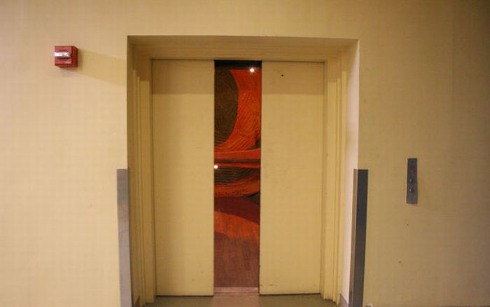 Awesome Elevator (14 pics)