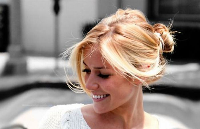 Girls with Beautiful Hair (30 pics)