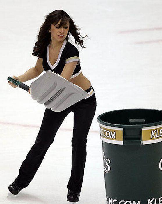 NHL Ice Girls (93 pics)