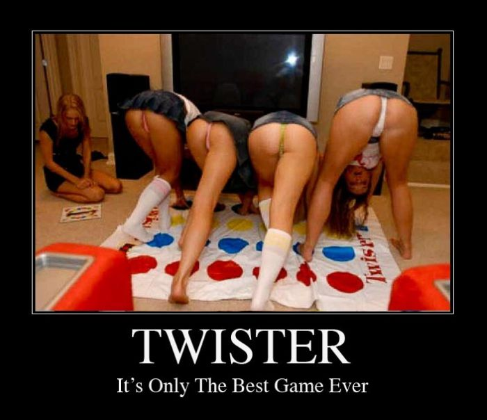 Twister Is The Best Game Ever (15 pics)