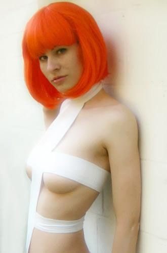 Sexy Leeloo From The Fifth Element Cosplay (19 pics)