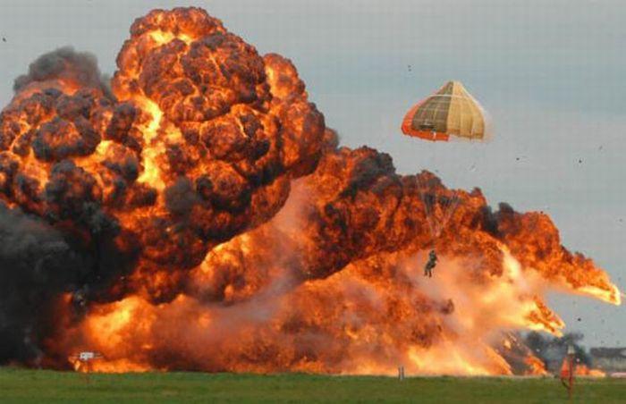 Pilot Survived a Fighter Jet Crash (13 pics)