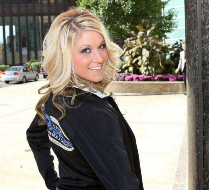Detroit Pride Cheerleaders Facebook Photos (60 pics)