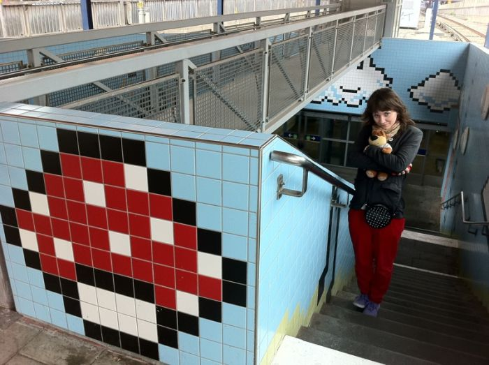 Awesome 8-bit Subway Station in Stockholm (21 pics)