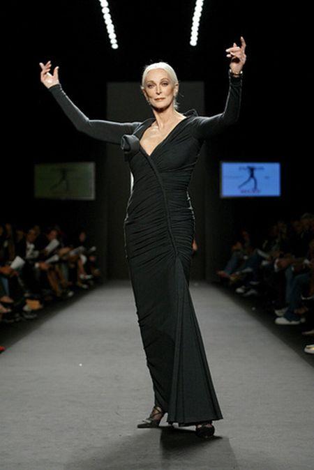 Carmen Dell'Orefays (16 pics)