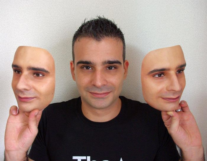 Super-Realistic 3D Face Replicas (13 pics)