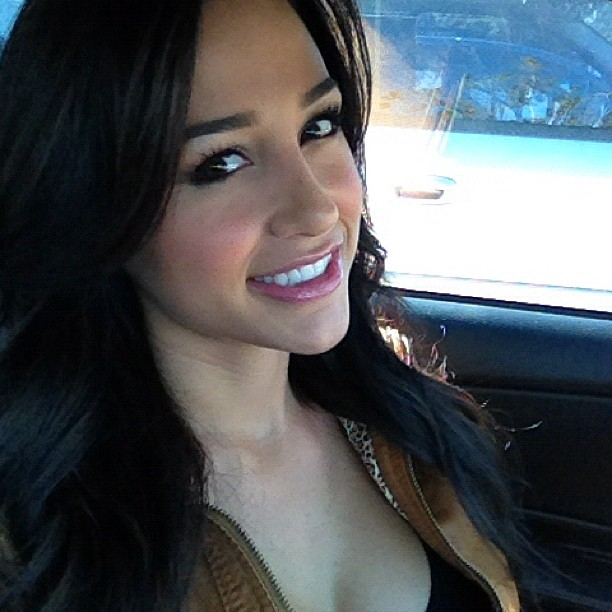 Angie Varona Photos (46 pics)