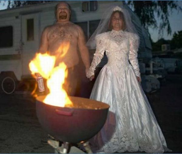Weird and Funny Wedding Photos (58 pics)
