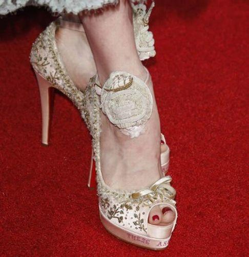 Weird Shoes of Celebrities (30 pics)