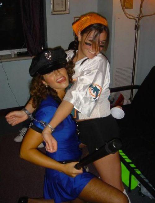 College Girls at Halloween Parties (98 pics)