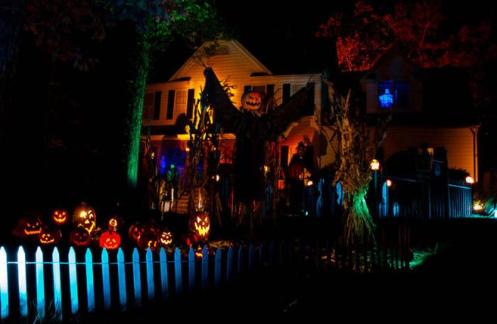 Great Halloween Front Yard Decorations (30 pics)