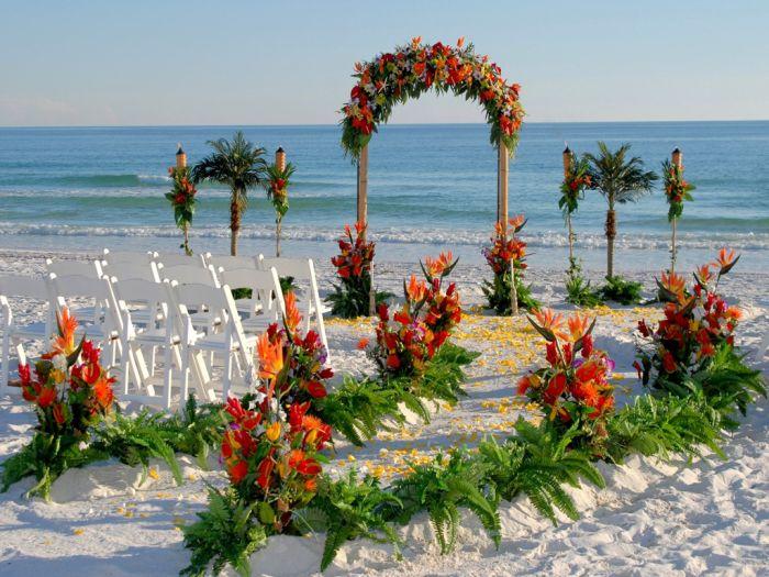 Beautiful Beach Wedding Decorations (28 pics)