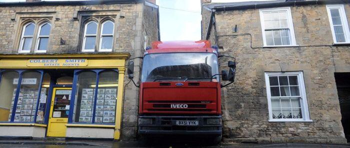 Truck Driver's Epic Fail (6 pics)