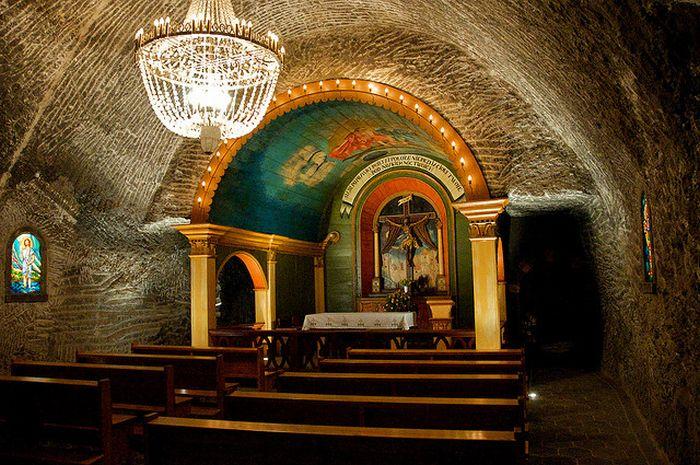 Wieliczka Salt Mine (24 pics)