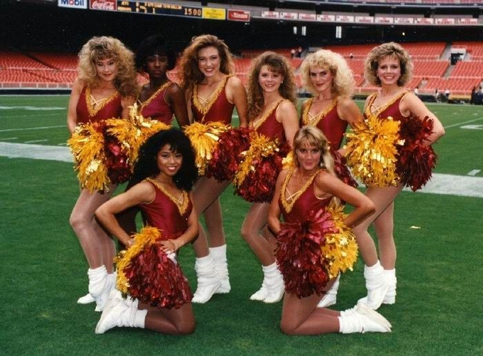 Cheerleaders Then and Now (29 pics)