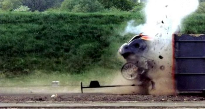 World's Fastest Crash Test (5 pics + video)