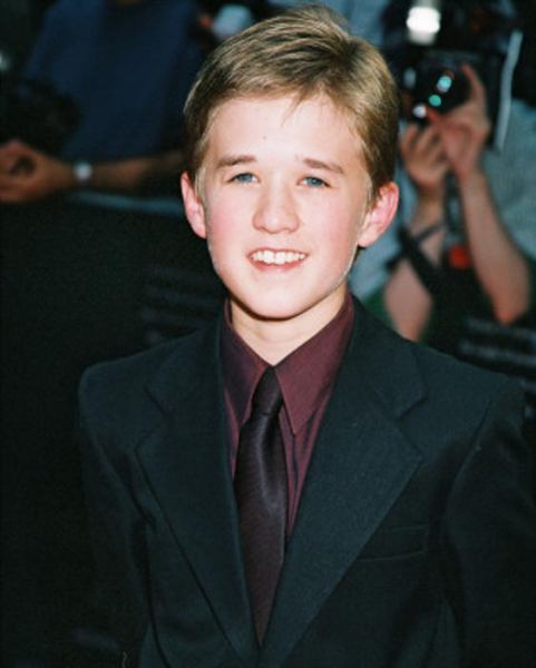 Haley Joel Osment Got Fat (15 pics)